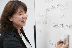 資格とキャリアのスクールnoa 永年勤続賞 谷脇講師